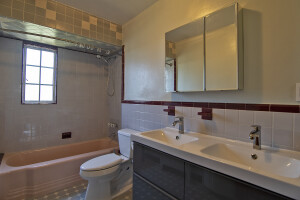 Middle Village House For Rent